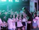 Ca sỹ Phương Ly thổi bùng cảm xúc đêm hội của học sinh Chuyên ngữ