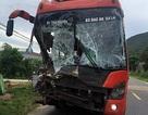 Tai nạn liên hoàn giữa xe khách và xe tải, hàng chục người hoảng loạn