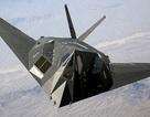 """Máy bay ném bom """"nghỉ hưu"""" của Mỹ bất ngờ xuất hiện gần Vùng 51"""