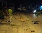 Hà Nội: Hai thanh niên thương vong cạnh xe máy trong đêm