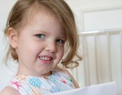 Cô bé 3 tuổi ở Anh có chỉ số IQ cao hơn Albert Einstein