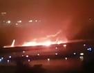 Nga: Máy bay chở 170 người va cánh xuống đất, bốc cháy ngùn ngụt