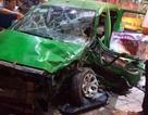 Hai ô tô vỡ toác đầu sau va chạm, 6 người bị thương