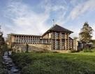 Kiến trúc sư dành 14 năm biến chuồng gia súc thành tuyệt tác kiến trúc