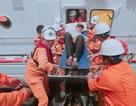 Cứu 10 ngư dân bị nạn trên đường tránh bão Mangkhut