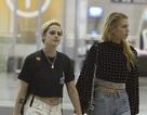 Kristen Stewart hạnh phúc nắm tay bạn gái