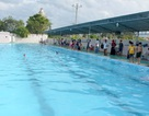 Học sinh lớp 2 đuối nước trong hồ bơi