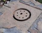 Phát hiện bệ đá lớn nghi là biểu tượng Yoni của Chămpa xưa