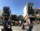 2 ngôi nhà bị lửa thiêu rụi