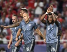 """""""Cậu bé vàng"""" tỏa sáng giúp Bayern Munich vượt qua Benfica"""