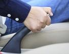 Phanh tay truyền thống dần biến mất trên ô tô đời mới