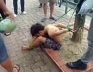 Hà Nội: Tạm giữ 3 người trói cậu bé đánh giày vào gốc cây