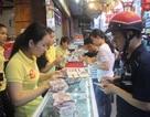Người dân Bình Định xếp hàng mua bánh trung thu truyền thống