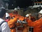 Thuyền viên bị tai biến trên tàu cá được đưa về bờ cấp cứu kịp thời