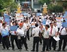 Hàng ngàn khẩu hiệu được mang đến phiên tòa Vinasun kiện Grab