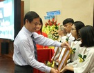 Hơn 30 tỷ đồng học bổng được trao tặng tại Lễ khai giảng của UEF