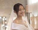 Cô dâu Nhã Phương xinh đẹp đi thử váy cưới