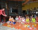 Mở điểm giữ trẻ cho ngư dân vùng lũ