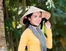 """Hoa khôi Thúy Vi dịu dàng """"hóa"""" thiếu nữ thôn quê"""