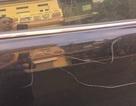 Người phụ nữ ăn mặc sang trọng lén cào xước ô tô để trả thù mâu thuẫn giao thông?