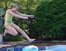 Nhiều du khách tử vong vì sở thích nhảy từ ban công xuống hồ bơi