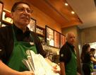 Quán Starbucks đầu tiên thuê nhân viên cao tuổi
