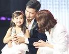 Con gái Lưu Hương Giang lên sân khấu cùng bố mẹ
