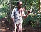 Người đàn ông đào 8km xuyên núi mở đường cho con đến trường