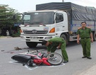 Chém chết vợ hờ rồi lao vào xe tải tự tử