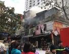 Cháy cửa hàng trên phố Bạch Mai, chủ nhà may mắn thoát nạn