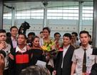 Hoa hậu Hoàn vũ H'Hen Niê xúc động ngày quay về quê hương Đắk Lắk