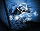 Vợ xâm nhập tài khoản email của chồng và phát hiện sự thật động trời