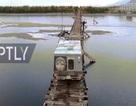 Xe tải mạo hiểm đi qua cây cầu nguy hiểm nhất hành tinh