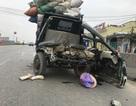 Hai công nhân chở rác bị xe container đâm nguy kịch