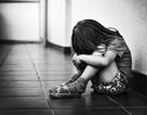 Bé gái 14 tháng tuổi bị xâm hại tình dục và sự im lặng đáng sợ của bà nội