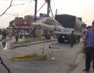 TPHCM: Xe tải cuốn xe máy vào gầm, 2 vợ chồng thương vong