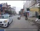 Xe taxi phóng nhanh vượt ẩu làm ngã xe máy, chạy ngược chiều thoát thân