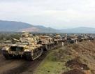 Một đoàn xe tăng Thổ Nhĩ Kỳ rầm rập tiến đến, áp sát biên giới Syria