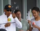 Gia đình cựu Tổng thống Obama đón năm mới ở Hawaii