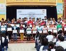 GM Việt Nam trao học bổng cho 50 học sinh nghèo