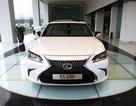 Giá bán 2,49 tỉ đồng, Lexus ES 250 2019 có gì cho khách hàng tại Việt Nam?