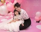 """""""Tiểu Yến Tử"""" Huỳnh Dịch trẻ đẹp ngỡ ngàng trong tiệc sinh nhật con gái"""