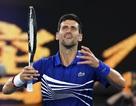 Australian Open: Djokovic, Serena Williams vào tứ kết