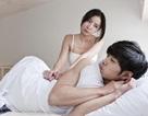 """Cười ra nước mắt với ông chồng hay dỗi, giận là """"cấm vận"""" cả chuyện giường chiếu"""