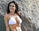 Casey Batchelor khoe dáng thon với bikini