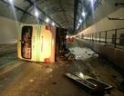 Xe khách lật trong hầm Hải Vân, 5 người bị thương