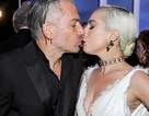 Lady Gaga tình tứ bên bạn trai hơn 18 tuổi