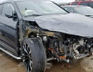 Siêu SUV Lamborghini Urus nát đầu vẫn được trả giá cả trăm ngàn đô