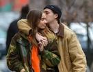 Brooklyn Beckham hôn bạn gái mới trên phố