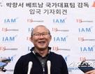 HLV Park Hang Seo về nước, báo chí Hàn Quốc săn đón ở sân bay